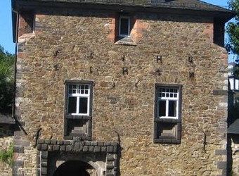 The Commoners at Crottorf Castle (Part I)